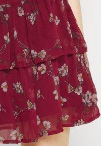 Vero Moda - VMWONDA SMOCK SHORT SKIRT - A-line skirt - tibetan red/eliza - 3