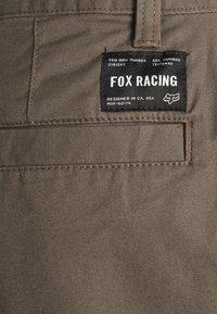 Fox Racing - ESSEX - Krótkie spodenki sportowe - dirt - 2