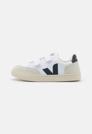 SMALL V-12 UNISEX - Baskets basses - white/nautico/natural