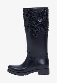 Melissa - FLOWER - Kowbojki i obuwie motocyklowe - black - 1