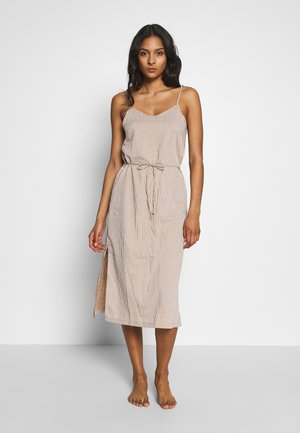 HASTINGS DRESS - Ranta-asusteet - desert