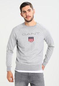 GANT - SHIELD C NECK - Sweatshirt - grey melange - 0