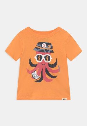 TODDLER BOY JUNE - T-shirt con stampa - orange sun