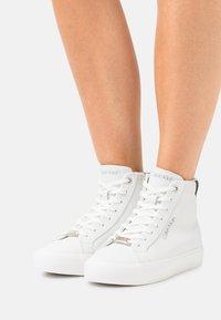 Calvin Klein - TOP - High-top trainers - white/black - 0