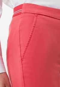 BRAX - STYLE MARON - Trousers - coral - 3