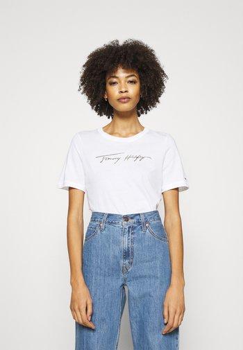 REGULAR OPEN SCRIPT TEE - Print T-shirt - white