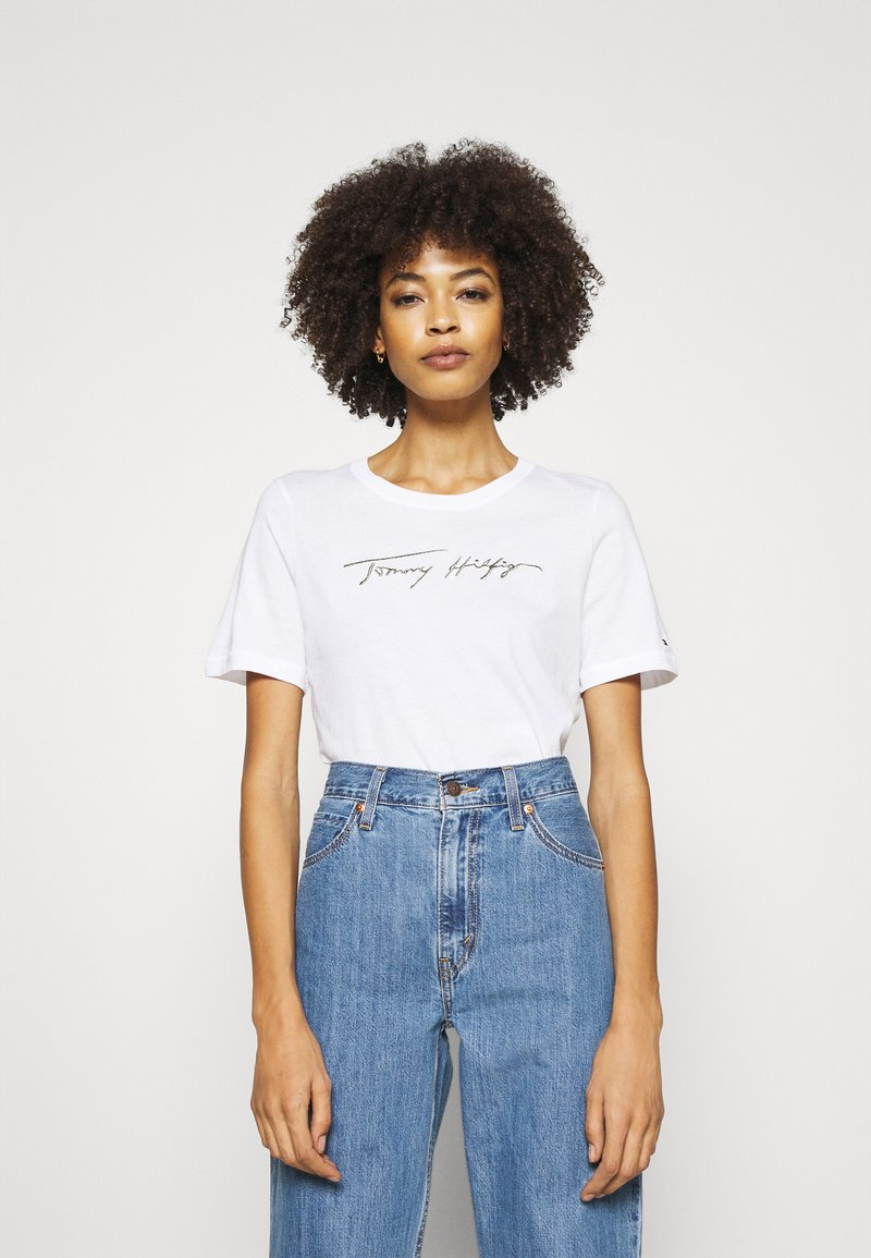 Tommy Hilfiger - REGULAR OPEN SCRIPT TEE - T-shirts print - white