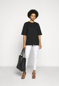 MICHAEL Michael Kors - SELMA - Jeans Skinny Fit - white - 1