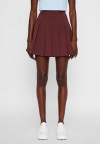 J.LINDEBERG - Shorts - dark brown - 0