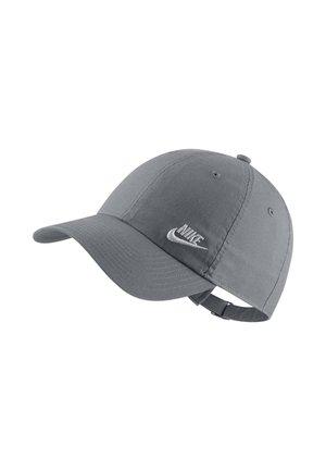 W NSW H86 CAP FUTURA CLASSIC - Cap - cool grey/white