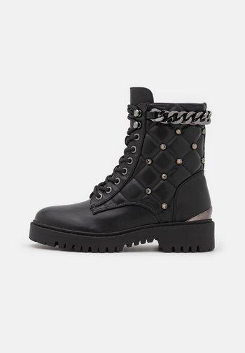 ORMOND - Platåstøvletter - black