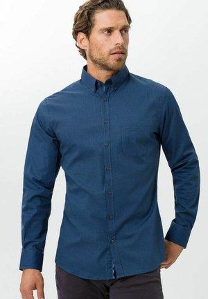 STYLE DANIEL P - Formal shirt - lake
