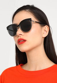 Burberry - Sunglasses - black - 1