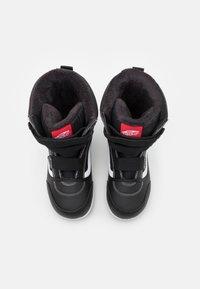Vans - SNOW CRUISER MTE UNISEX - Winter boots - black/white - 3