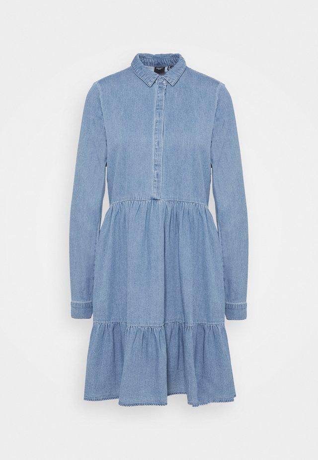 VMMARIA FRILL SHORT DRESS - Denim dress - light blue denim