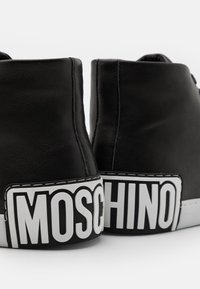 MOSCHINO - Zapatillas altas - nero - 5