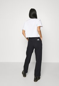 The North Face - OORITE CARGO PANT  - Stoffhose - black - 2