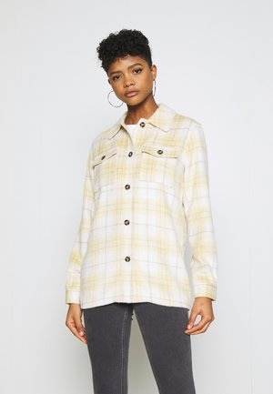 VIMADELYNN SHACKET - Summer jacket - spicy mustard