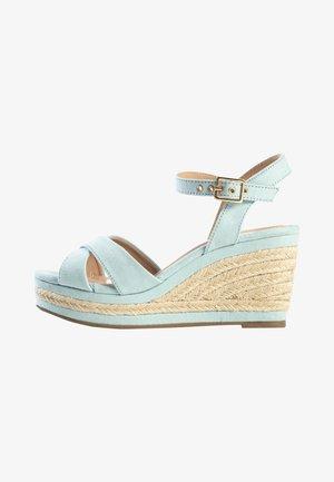 CHELSEY - Sandaletter med kilklack - light blue