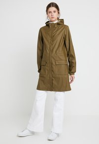 PIECES Tall - PCBOBBI RAINCOAT - Parka - beech - 0