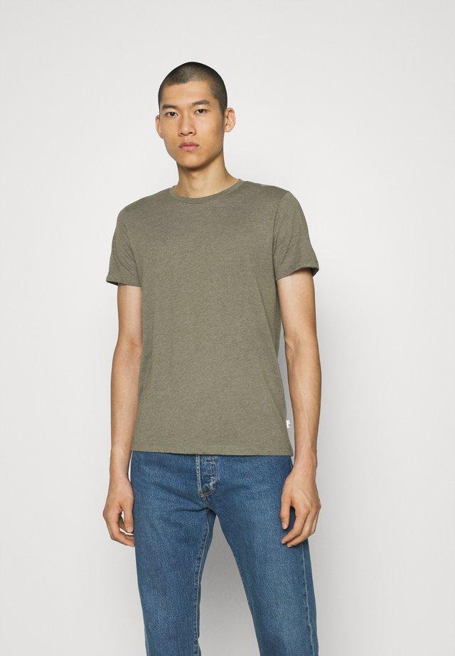 SHORT SLEEVE CREW 5 PACK - Basic T-shirt - off white/inidgo/burgundy/dusty olive/mushroom