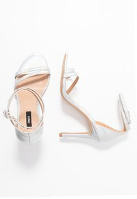 ONLY SHOES - ONLAILA WRAP - Sandali con tacco - silver - 3