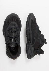 adidas Originals - OZWEEGO - Trainers - core black/trace grey metallic - 0