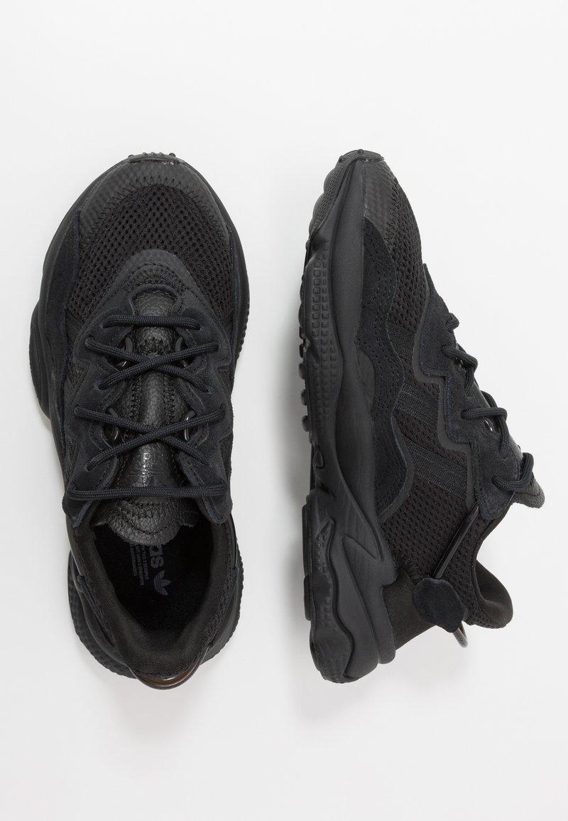adidas Originals - OZWEEGO - Trainers - core black/trace grey metallic