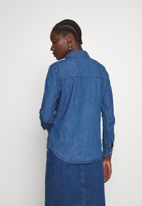 Springfield - CAMISA LENTEJ - Button-down blouse - medium blue - 0