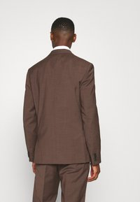 Calvin Klein Tailored - TROPICAL STRETCH SUIT - Suit - brown - 3