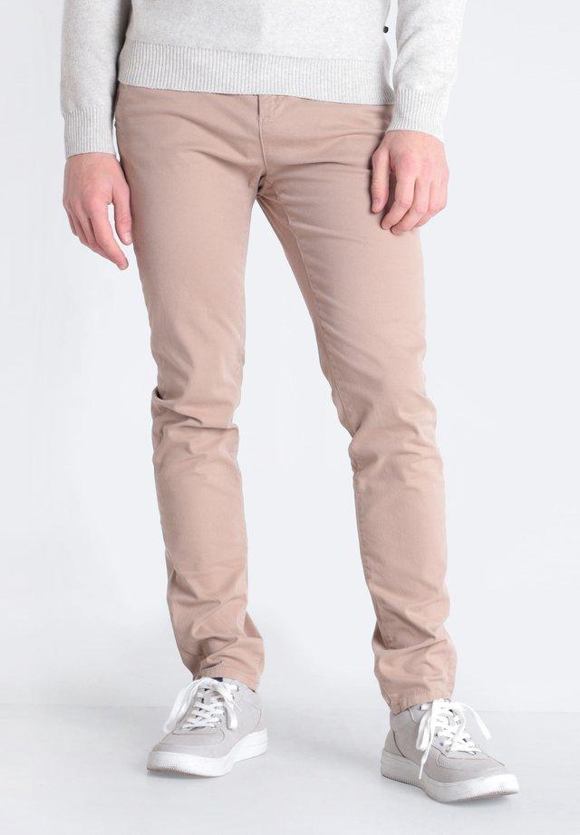 Pantalones chinos - cognac