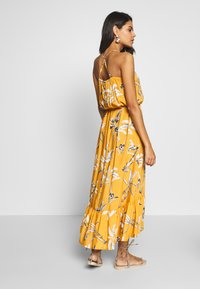Brunotti - CIA WOMEN DRESS - Ranta-asusteet - autumn yellow - 2