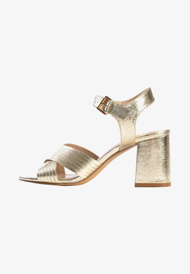 Sandalen met hoge hak - gold