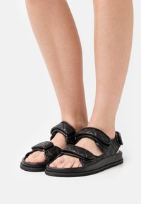 NA-KD - QUILTED  - Sandals - black - 0
