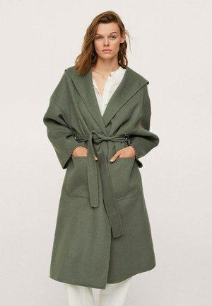 Klasyczny płaszcz - vert