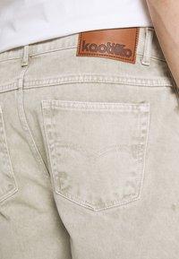 Kaotiko - BERMUDA BAGGY - Denim shorts - denim - 5