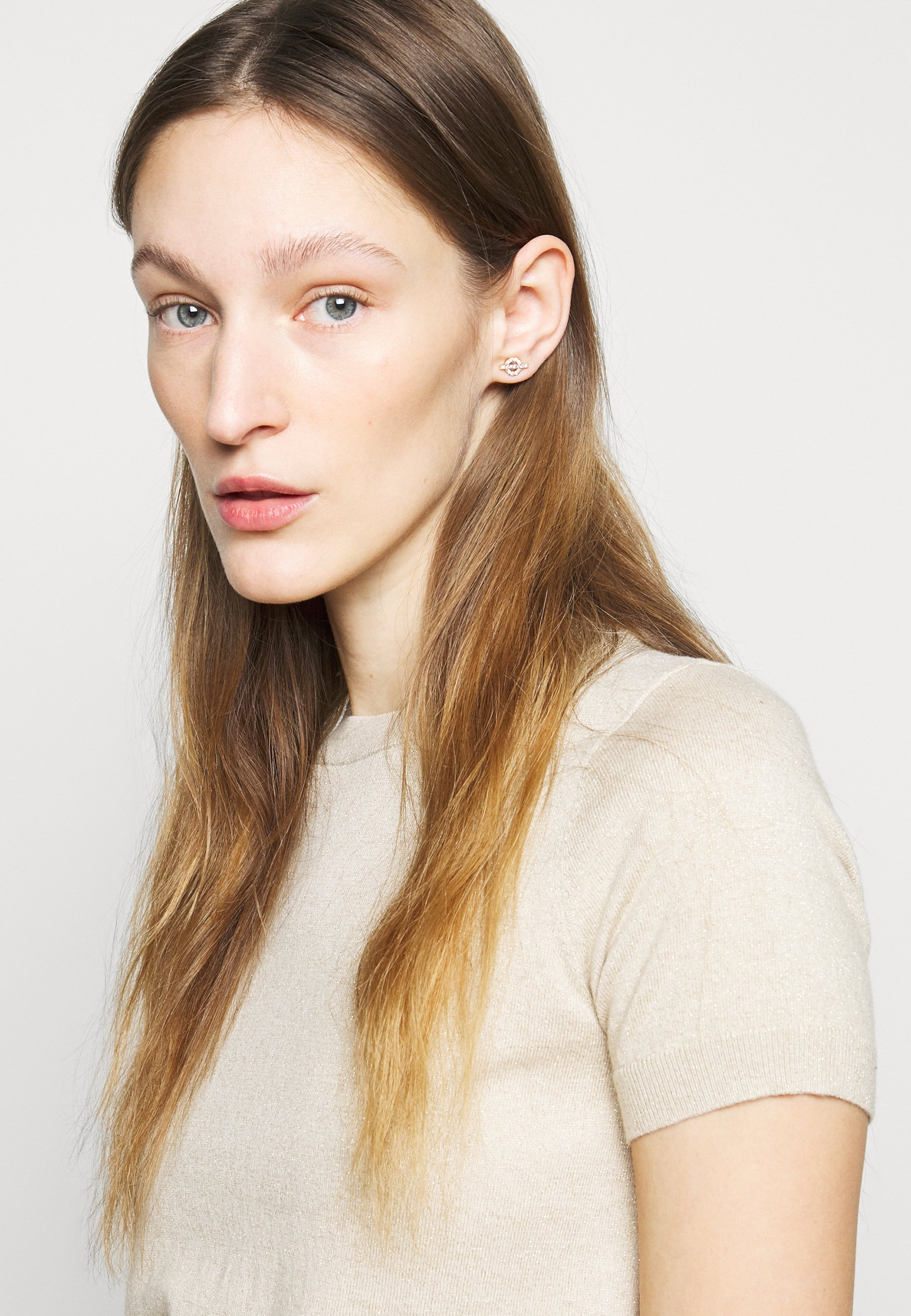 Women TOGGLE STUD - Earrings