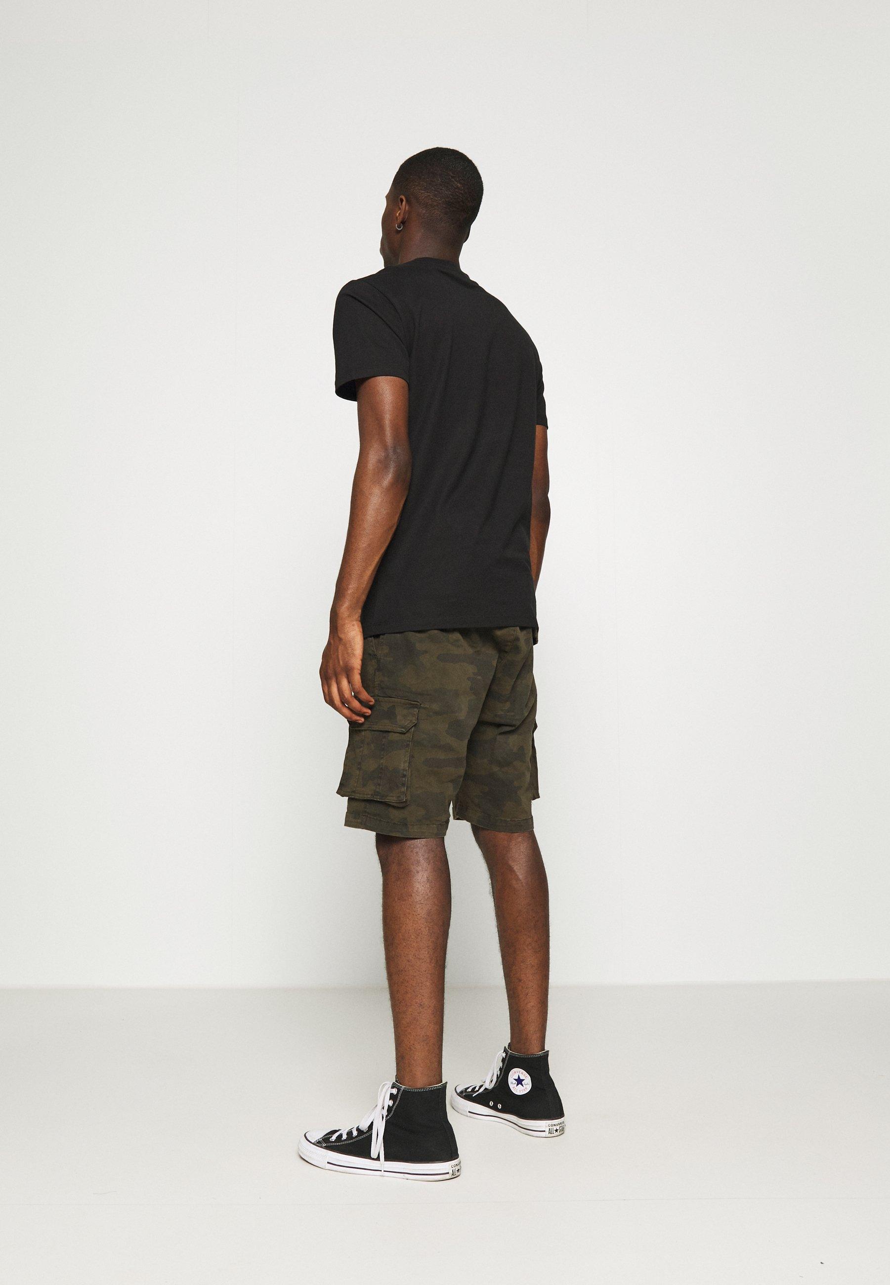 Men ARMED - Shorts
