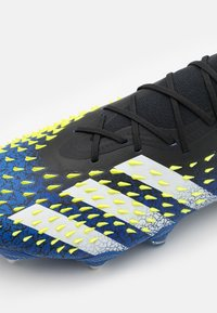 adidas Performance - PREDATOR FREAK .1 SG - Screw-in stud football boots - core black/footwear white/solar yellow - 5