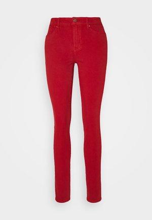 HOSE LANG - Jeans Skinny - dark red