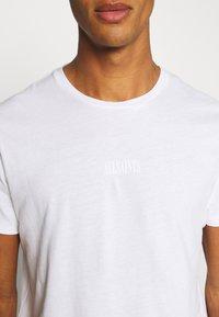 AllSaints - ELEMENT CREW - Basic T-shirt - optic white - 4