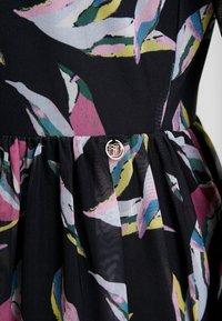 TOM TAILOR DENIM - PRINTED MESH DRESS - Day dress - black abstract flower print grey - 6