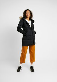 Hollister Co. - PUFFER PARKA - Dunkåpe / -frakk - black - 1
