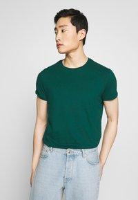 Pier One - T-shirt basic - yellow/green - 7