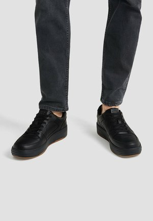 EINSÄTZEN - Matalavartiset tennarit - black