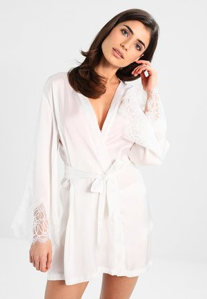 KIMONO SATIN BIG SCALLOP LACE - Nightie - off white