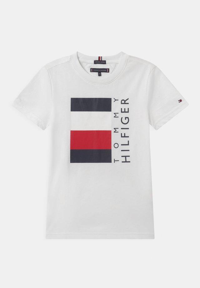 GLOBAL STRIPE  - Print T-shirt - white