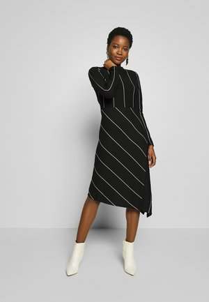 QUILLIPO - Jersey dress - black