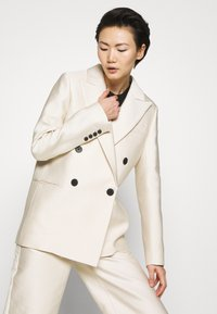 DESIGNERS REMIX - HAILEY - Short coat - cream - 3
