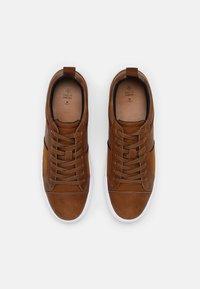 Call it Spring - VEGAN CONNER - Sneakers basse - cognac - 3